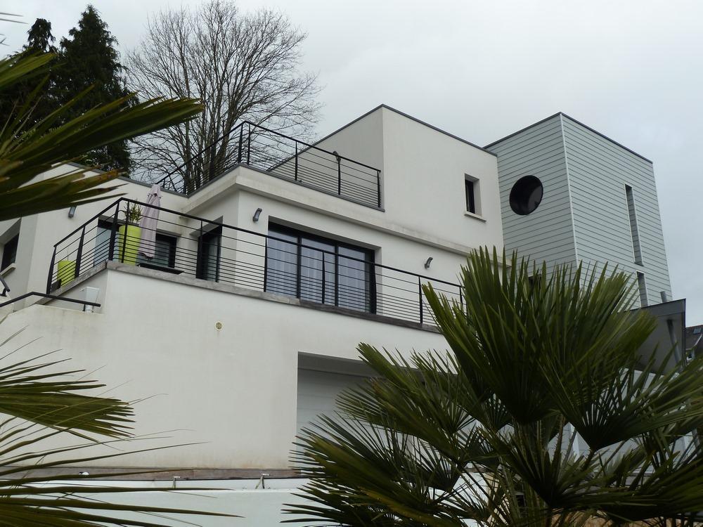 Construction moderne sur Quimper